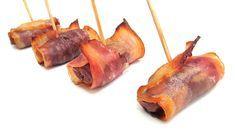 entrantes para la cena - almendra dentro de dátil y envuelto de bacon Finger Food Appetizers, Appetizers For Party, Finger Foods, Appetizer Recipes, Party Entrees, Charcuterie, Tapas, Food To Make, Brunch