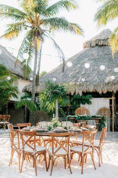 A Tropical Destination Wedding at Ak'iin Beach Club in Tulum Space Wedding, Mod Wedding, Wedding Reception, Reception Ideas, Wedding Venues, Cancun Wedding, Civil Wedding, French Wedding, Wedding Ceremonies