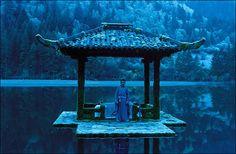 Hero with Jet Li & Donnie Yen Hero Jet Li, Top 100 Films, Broken Sword, Zen, Film Images, Hero Movie, Film Inspiration, Film Stills, Movies