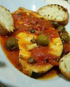 Questa pietanza, vanto culinario principalmente della provincia di Messina e delle isole Eolie, è un piatto di pesce sano e gustoso... Un equilibrio delica