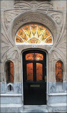 Resultado de imagen de puertas de estilo modernista en bruselas