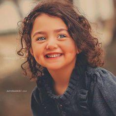 The World Cutest Baby - Anahita Hashemzadeh - My Baby Smiles Cute Baby Girl Photos, Cute Little Baby Girl, Beautiful Little Girls, Cute Baby Pictures, Beautiful Girl Photo, Sweet Girls, Beautiful Eyes, Cute Kids, Cute Babies