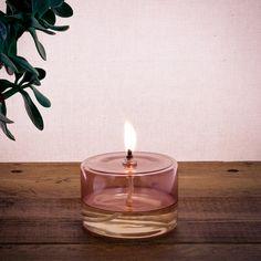 Lampe à huile OLIE rose   Nature & Découvertes Candle Jars, Candles, Rose, Tea Lights, Gifts, Design, Decor, Luxury, Jar Candle