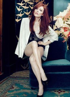 Julianne moore. #Glamoir #Fashion #Photoshoot - she's beautiful !
