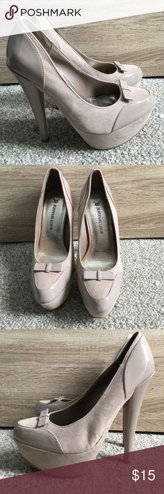 Nude platform pumps. 5in heal pumps. Bow detail on toe. Never worn JustFab Shoes Heels