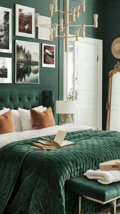 Green Bedroom Walls, Green Master Bedroom, Green Bedroom Decor, Green Accent Walls, Living Room Green, Green Rooms, Room Ideas Bedroom, Home Decor Bedroom, Modern Bedroom