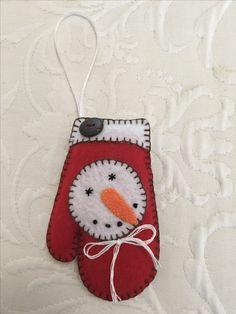Felt crafts, felt ornament, mitten, snowman, snowman felt, mitten felt, made by Janis