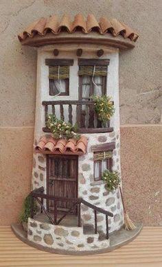 dekorierte Fliesen - New Sites Diy Crafts Slime, Tile Crafts, Clay Crafts, Clay Fairy House, Fairy Garden Houses, Clay Houses, Ceramic Houses, Miniature Fairy Gardens, Miniature Houses
