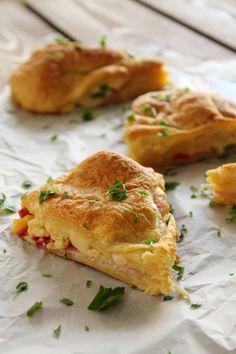 Scrambled-eggs-bacon-croissant-pie-2.jpg (800×1200)