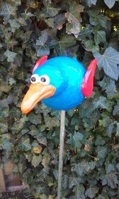 Een vreemde vogel in de tuin - by Tilia