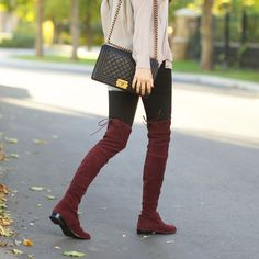 Classic Chic: Silky blouse quilted purse Stuart Weitzman over-the-knee boots Winter Mode Outfits, Winter Fashion Outfits, Fashion Boots, Autumn Winter Fashion, Casual Outfits, Stuart Weitzman, Burgundy Boots, Vogue, Fall Trends