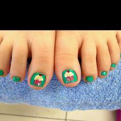 cupcake toenails:)