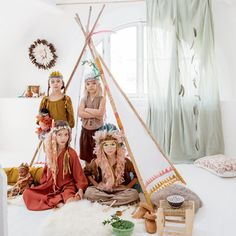 DIY. How To Make A  Simple Homemade Chic Indian Costume http://petitandsmall.com/kids-indian-costume-diy/