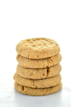 These soft gluten free peanut butter cookies are a classic! They're easy to make, freeze well, and are incredibly delicious! Chocolate Marshmallow Cookies, Chocolate Chip Shortbread Cookies, Blueberry Cookies, Toffee Cookies, Spice Cookies, Yummy Cookies, Gluten Free Baking, Gluten Free Desserts, Gluten Free Recipes