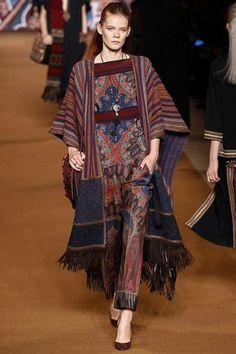 Trendy Fashion Runway Looks Ready To Wear Batik Fashion, Ethnic Fashion, Hijab Fashion, Trendy Fashion, Boho Fashion, Fashion Outfits, Womens Fashion, Fashion Design, Fashion Clothes