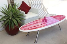 I have got to find a surf board, cheap! Surfboard Coffee Table, Surfboard Decor, Surf Decor, Beach Cottage Style, Beach House Decor, Home Decor, Decoration Surf, Deco Surf, Surf House