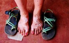 this will be the summer of the chacos tan. <3 <3