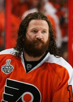 Philadelphia  Flyers  Scott Hartnell could always grow hair on his face and  head. 5f5737fd2