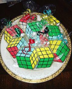 Rubik's Cube Sugar Cookies www.facebook.com/FriscoCakePopShop www.Instagram.com/FriscoCakePopShop www.FriscoCakePopShop.co 9th Birthday Parties, 10 Birthday, Rubric Cube, Bolo Youtube, Rubik's Cube, Mbs, Xmas Party, Legos, Cookie Decorating