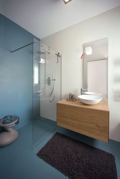 32 Awesome Bathroom Mirror Designs Ideas To Try Asap Bathroom – home accessories Bathroom Mirror Design, Bathroom Wallpaper, White Bathroom, Bathroom Interior, Modern Bathroom, Small Toilet, Amazing Bathrooms, House Design, House Styles