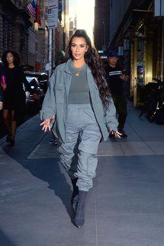 Kim Kardashian Stars in der Fast-Nackt-Kampagne von Latest Yeezy Kourtney Kardashian, Kim Kardashian Bikini, Kim Kardashian Yeezy, Kim Kardashian Before, Looks Kim Kardashian, Kim Kardashian Wedding, Estilo Kardashian, Kardashian Style, Kardashian Fashion