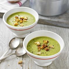 Courgette and basil soup with parmesan croutons recipe. Although courgettes have a delicate flavour they work well when partnered with gutsy flavours as in this soup. Top Recipes, Lunch Recipes, Easy Dinner Recipes, Cooking Recipes, Healthy Recipes, Healthy Soups, Easy Recipes, Healthy Food, Zucchini