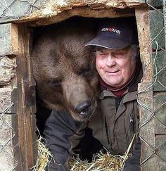 Sulo Karjalainen, the bear tamer man from Finland, Kuusamo! Want to see them!