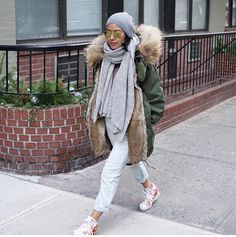 @rebell_refined in a perfect combination with our neyo. #lieblingsstück. cashmere scarf. NYC streetstyle.