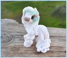 Polymer Clay Figures, Polymer Clay Sculptures, Polymer Clay Animals, Polymer Clay Projects, Polymer Clay Creations, Sculpture Clay, Diy Clay, Clay Crafts, Horse Sculpture