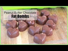 Homemade fat bombs that taste like peanut butter and chocolate. Curbs appetite, promotes weight-loss and keto diets. Keto Foods, Keto Snacks, Healthy Snacks, Healthy Habits, Healthy Choices, Healthy Eating, Low Carb Sweets, Low Carb Desserts, Low Carb Recipes