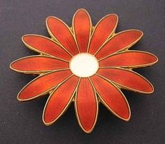 "Aksel Holmsen Gilt Sterling/RED Enamel DAISY Pin~Ex Cond~Norway 2"" Flower Brooch"
