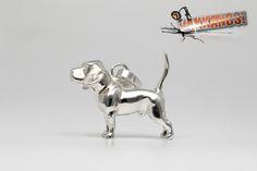Vakkancs miniszobor kutyás ékszerek - Beagle ezüst miniszobor medál Beagle Dog Breed, Hungary, Sterling Silver Pendants, Dog Breeds, The Incredibles, Sculpture, Jewels, 3d, Artist