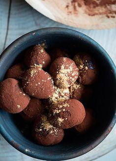 Chokolade trøfler Slik, Fondant, Sweets, Snacks, Vegetables, Desserts, Outfits, Food, Sweet Pastries