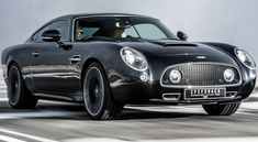 David Brown Speedback Silverstone Edition is a tribute to the GT racers of the past. Speedback Silverstone Edition with sleek… New Sports Cars, Exotic Sports Cars, Sport Cars, Exotic Cars, British Sports Cars, Automobile, Aston Martin Cars, Performance Cars, Future Car