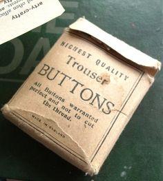 ButtonArtMuseum.com - vintage button box