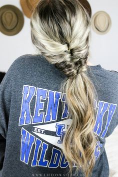 This faux fishtail ponytail is amazing because it gives the same amazing look of a fishtail ponytail without any braiding! And the best part, it makes your hair look... #fishtailbraid