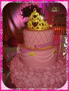 Coroa em biscuit topo de bolo