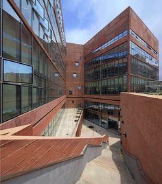 Redefiniendo y rediseñando los espacios para el aprendizaje en la Universidad