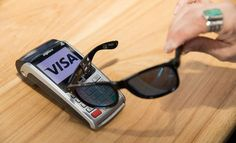 Visa Wants to Offer Contactless Payment with ... Sunglasses! Contactless payment started with credit cards. Nowadays, it is found on our smartphones and smartwatches. And for the future? Visa has an idea in mind: sunglasses. #Visa #visa #smartphone #smartwach ##visa payment