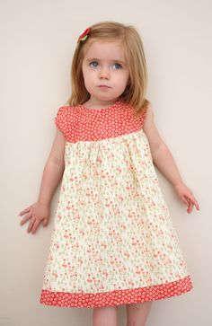 Leah Dress || Tutorial via Craftiness is not Optional
