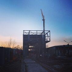 Solnedgang over byggeriet #DanmarksRockmuseum #MusiconRoskilde