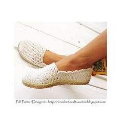 The Slanting Line Espadrillas/Toms. Crochet them yourself, and attach Handmade Cord-Soles as a final finish. Ready for street-wear!!