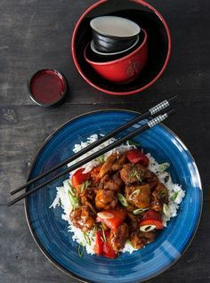 Fryer-Less General Tao Chicken Recipes Chicken Recipes, Poulet General Tao, General Taos Chicken, Food Dishes, Main Dishes, Ricardo Recipe, Confort Food, Asian Recipes, Recipes