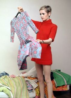 Twiggy - 1960s-fashion Photo, red dress, vintage fashion