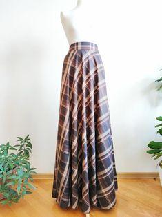 Muslim Fashion, Modest Fashion, Fashion Outfits, Wool Skirts, Plaid Skirts, Brown Maxi Skirts, Long Plaid Skirt, Green Velvet Dress, Chiffon Skirt