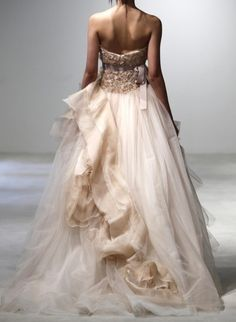 So Stunning! I ɭ0ƲᏋ the Color and How it Billows Down~by Vera Wang~❥