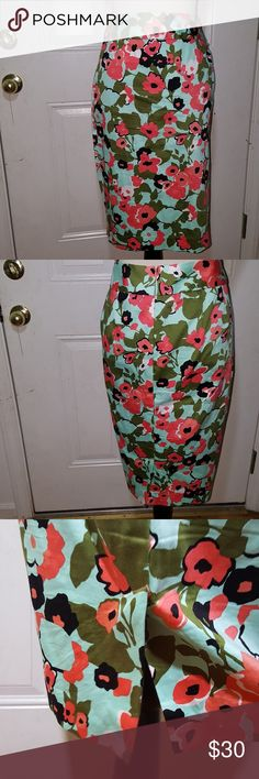 Lane Bryant floral skirt Lane bryant  Size 18  Beautiful light & soft floral skirt in excellent condition. Lane Bryant Skirts