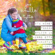 Tiesitkö, että kaikki maailman tytöt eivät saa olla lapsia riittävän pitkään oman äitinsä sylissä, vaan heistä tulee äitejä jo lapsena. Tänään on Kansainvälinen tyttöjen päivä, joten jos sinulla on oma tyttö, ota hänet rakastavaan syleilyyn ❤ Sivuston puolella luettavissa myös artikkeli: 5 asiaa, jotka jokaisen tytön pitäisi saada kokea. Kannattaa käydä lukemassa, pistää vähän miettimään... #tyttöjenpuolella #ihanattytöt #lapset #halaus #syli #äitiys #lapsuus @plansuomi