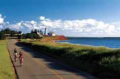 Canada offers many places of interest for travelers of all types. This article provides ideas regarding places to visit while traveling across Canada.