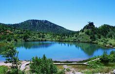 群馬県の草津といえば日本三名泉でもある草津温泉が有名で、海外からも沢山の人が訪れています。しかし、草津周辺は実は温泉だけではなく絶景の宝庫!積雪のため冬期閉鎖になっている志賀草津道路も4月25日に開通(2014年)し、いよいよシーズンを迎えます。今回はそんな草津周辺のおすすめ絶景スポットをご紹介します。